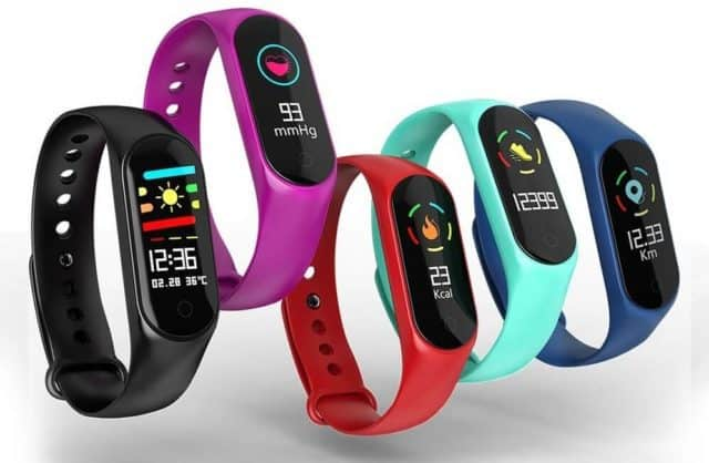 Smartband low-cost offerta lampo TomTop 52bd9a883f39
