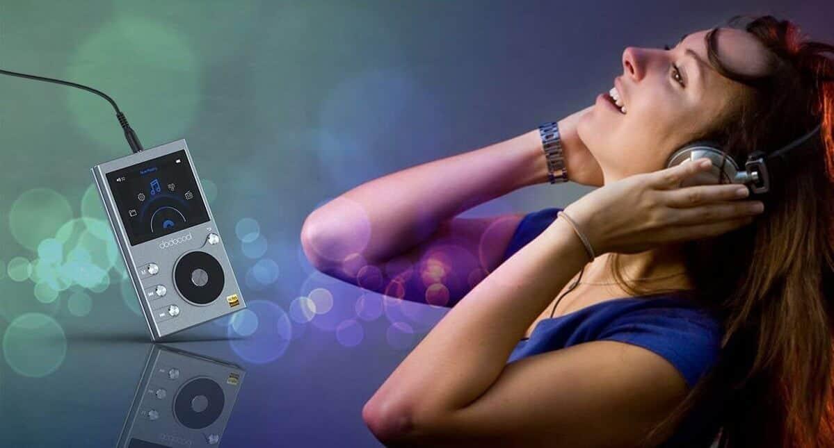 Mini speaker Bluetooth, lettore MP3 e presa smart offerta Amazon